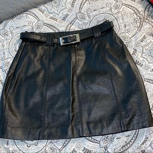Maxima Wilsons black  leather belted mini skirt